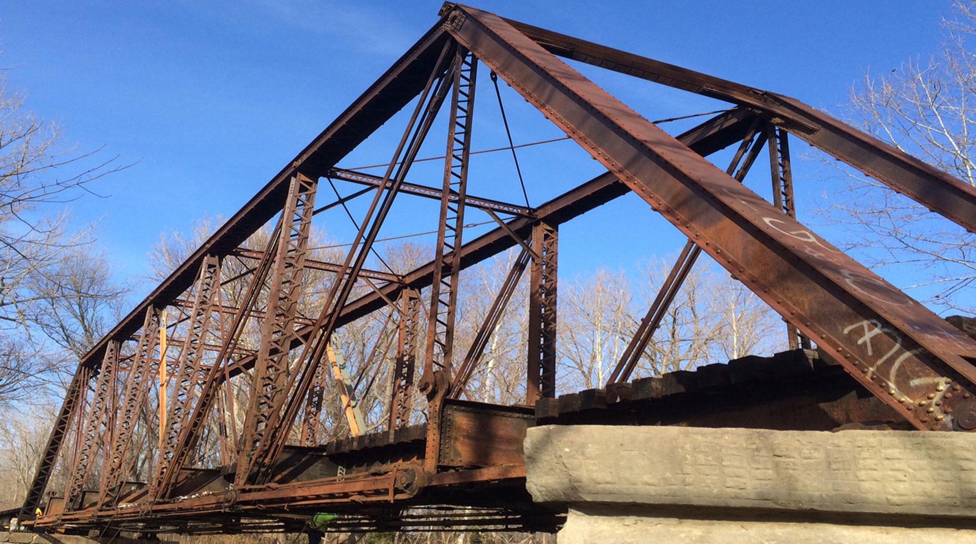 Dr. Sim is working to transfer the Nebraska Department of Roads' bridge database to the DataCenterHub platform.