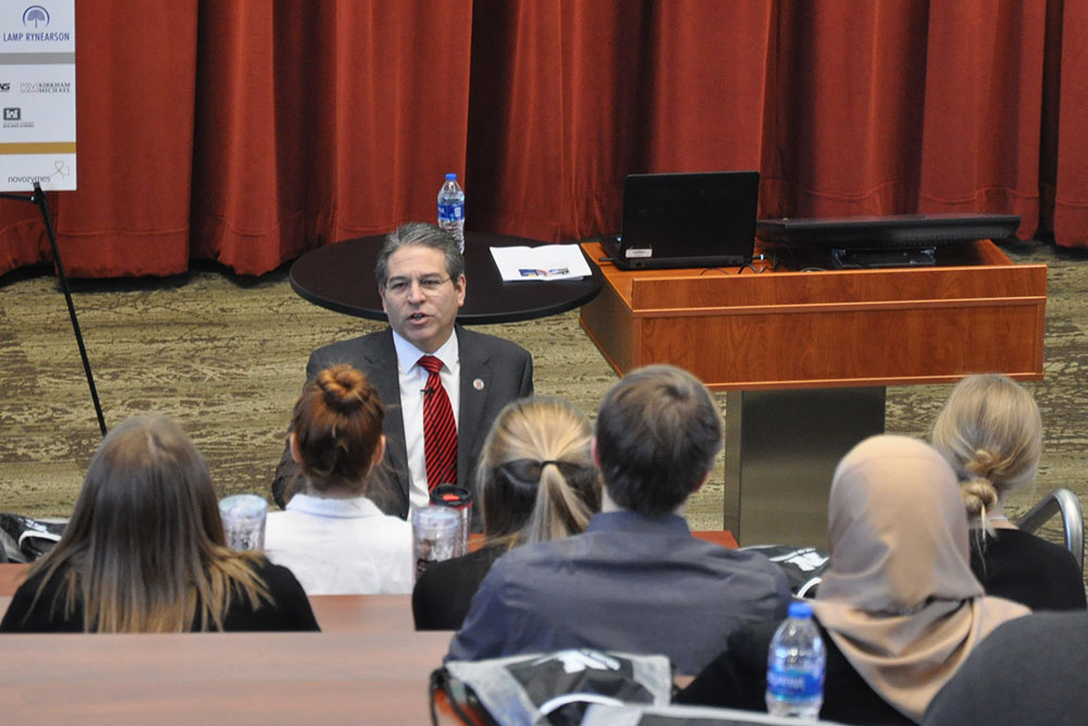Lance C. Pérez, interim dean of the College of Engineering, talks to engineering students on Friday, March 2 at Nebraska Innovation Campus to open the 2018 Complete Engineer Conference.