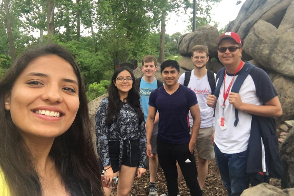 Yachay Tech students join with Nebraska Engineering students for a hike.