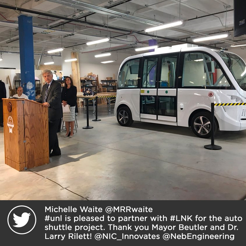 Michelle Waite @MRRwaite  #unl is pleased to partner with #LNK for the auto shuttle project. Thank you Mayor Beutler and Dr. Larry Rilett! @NIC_Innovates @NebEngineering