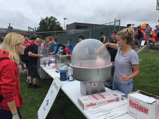 Cotton Candy being made at Rock The Block + Engineering Student Organizations Fair