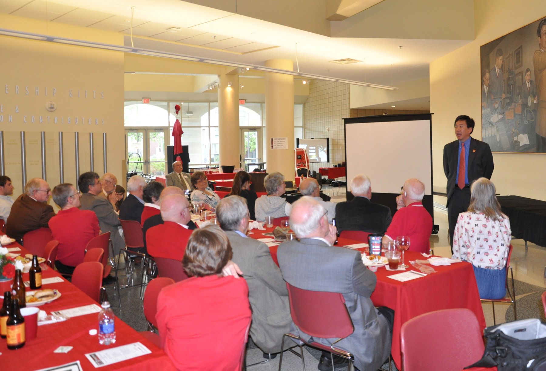 Dean Timothy Wei updated reunion participants about the goals and future direction of the UNL College of Engineering.