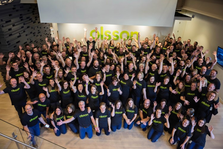 Olsson Lincoln team wearing their company shirts