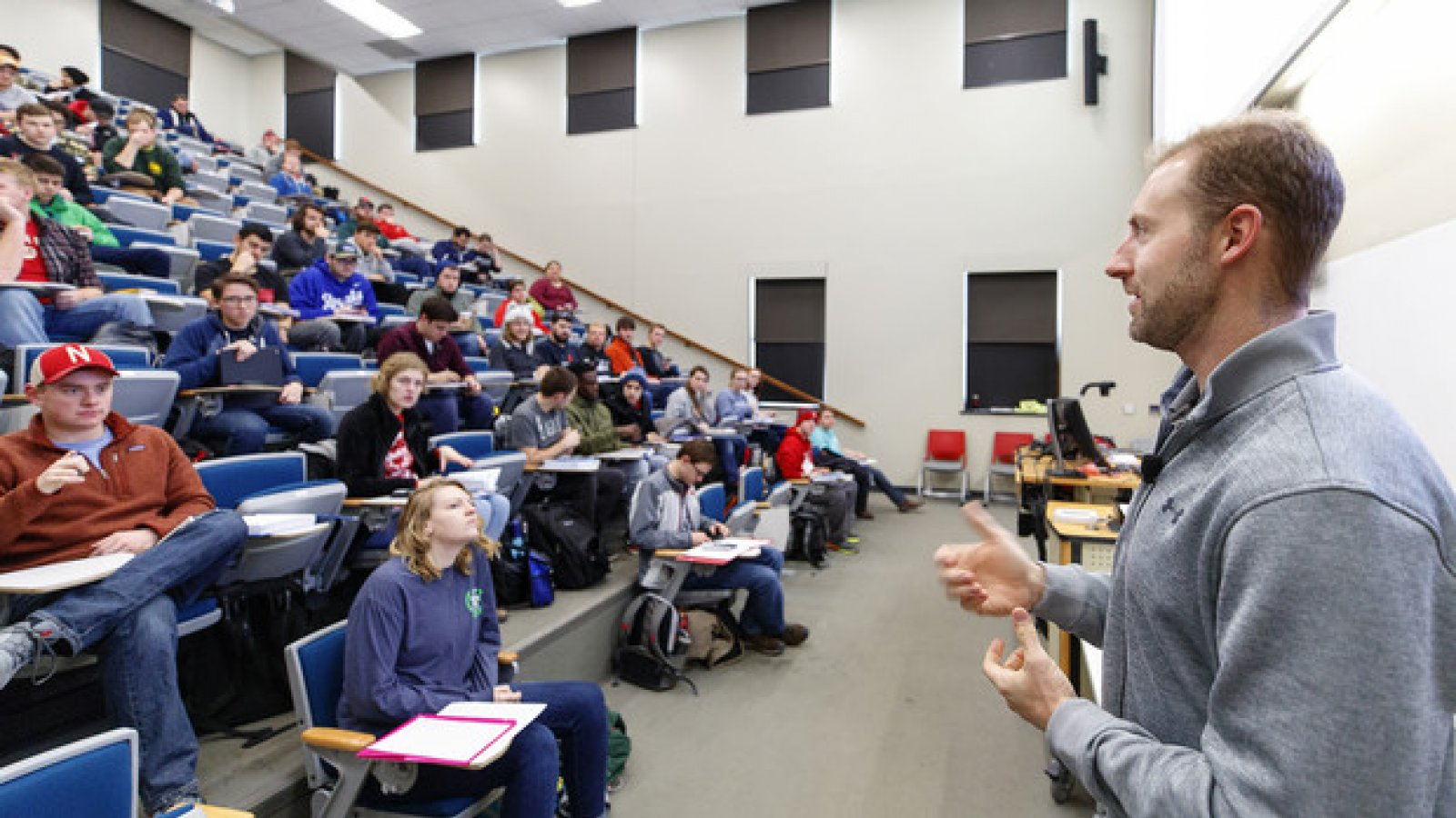 Curtis Tomasevicz discusses an Introduction to Electrical Engineering II concept with students in the Walter Scott Engineering Center on Feb. 5. The former Husker and Olympic gold medal winner is now teaching and conducting sports-related research at Nebraska. (Photo by Craig Chandler / University Communication)