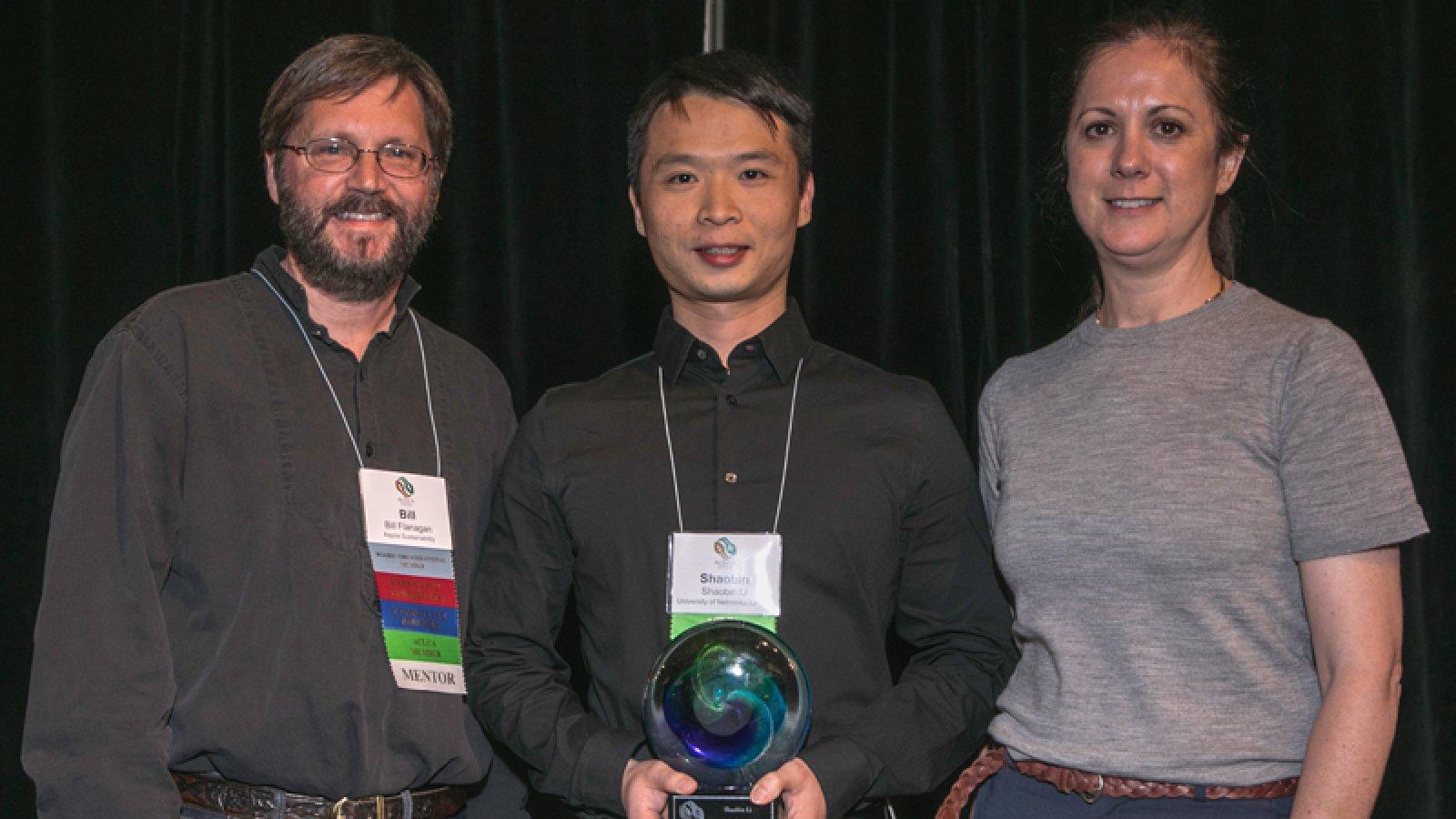 Left to Right: Bill Flanagan, ACLCA chair; Shaobin Li, Civil Engineering PhD Student; Debbie Steckel, ACLCA Executive Director
